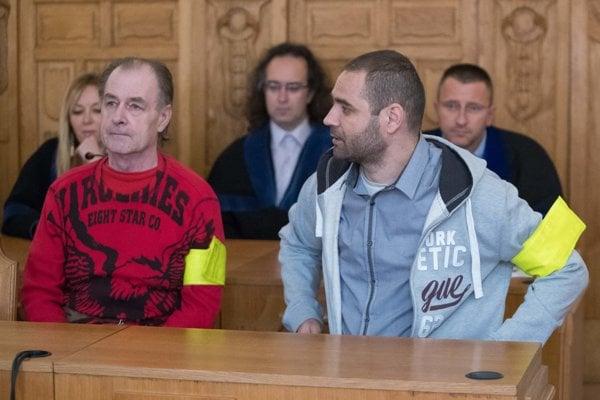 Obžalovaní Ján Hanuska a Jozef Sobota ešte na pojednávaní na Špecializovanom trestnom súde v Banskej Bystrici vlani v októbri.