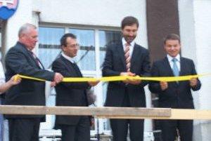 Otvorenie nového námestia počas hodov v Stráňavách.