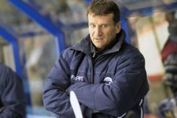 Už zajtra sa tréner Spišiak na lavičke MsHK neobjaví.