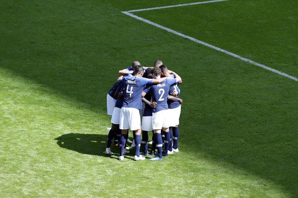 Francúzsko s problémami zvládlo svoj úvodný zápas na šampionáte.