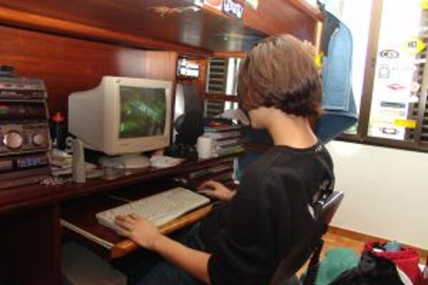 Odborníci tvrdia, že závislí na počítačových hrách sa najviac stávajú mladí ľudia medzi 12 a 15 rokom života.