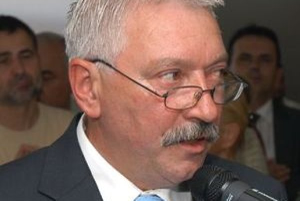 Milan Mazúr.