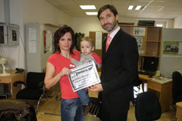 Juraj Blanár pomohol ďalšej rodine. Lenke Bitarcovej sponzorsky daroval 300 eur za druhé miesto.