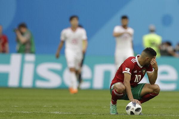 Aziz Bouhaddouz z Maroka si dal prvý vlastný gól na šampionáte.