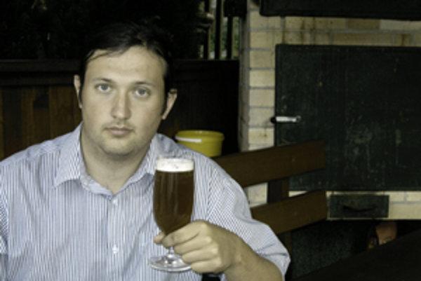 Jozef Lednický je študent so záľubou vo varení piva.