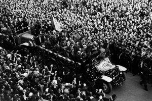 Československo na šampionáte v Ríme v roku 1934 získalo senzačné strieborné medaily. Bol medzi nimi aj Bratislavčan Štefan Čambal.