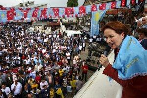 Meral Akşener, kandidátka za Stranu dobra, ktorú aj založila.
