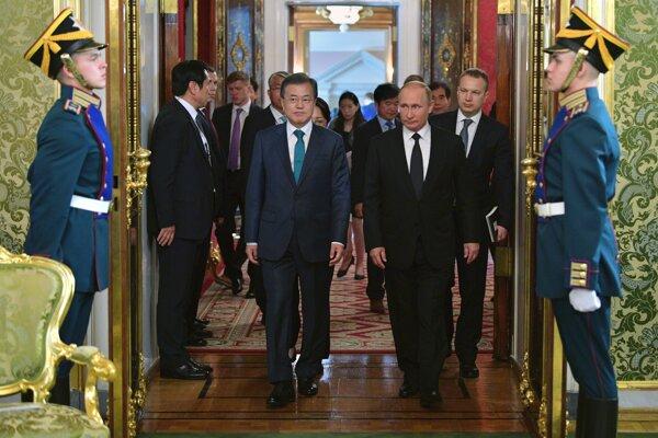 Putin a Mun podporili denuklearizáciu Kórejského polostrova