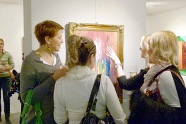 Abstraktné a pestrofarebné obrazy boli pre divákov plné optimizmu a radosti.