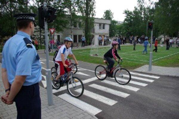 Ihrisko na Vlčincoch slúži na výučbu dopravnej problematiky žiakov 1. až 5. ročníka základných škôl.