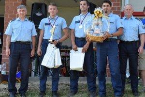 Ocenení hasiči zdravotnícki záchranári.