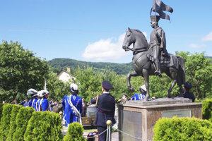 V rodnej obci postavili Gabrišovi pomník. Pri ňom si pripomenuli aj 280. výročie jeho narodenia.