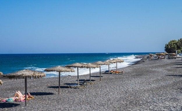 Kamari pláž, Santorini.