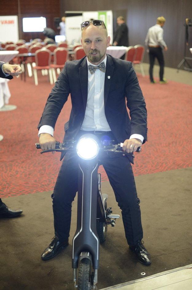 Jozef Viskupič si vyskúšal Smart bike.