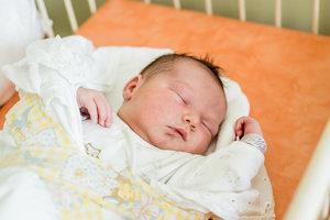 Tamia Hromníková (4160g, 50cm) sa narodila 17. júna Kristíne a Patrikovi z Trenč. Mitíc. Doma už majú 3-ročného Matea.