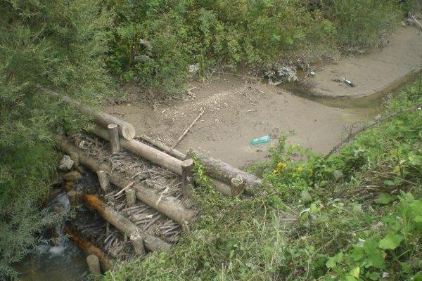 Starostovia si takúto ochranu pred povodňami pochvaľujú. Hrádzky sa ukázali byť dobrými pomocníkmi. Ukázali to aj viaceré nedávne povodne.