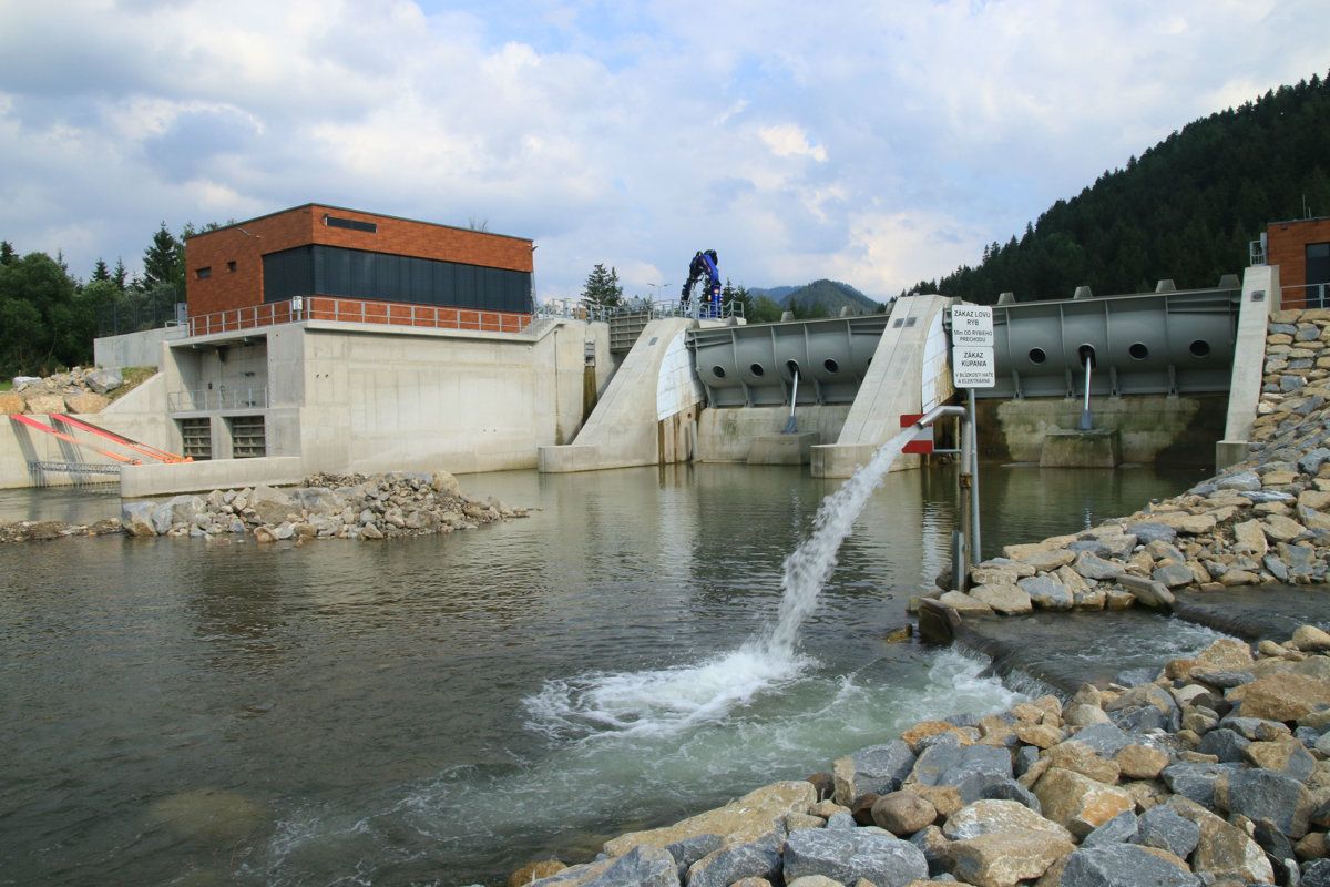 0296cc02d2 Na Liptove spúštajú ďalšiu vodnú elektráreň aj napriek protestom