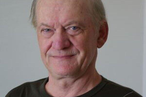 Pavol Eckert už nemusí držať hladovku. Bilbordy by pod jeho oknami stáť nemali.
