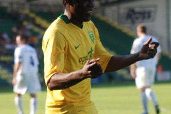 Prvýkrýt hral Bello v základnej zostave a dal dva góly.