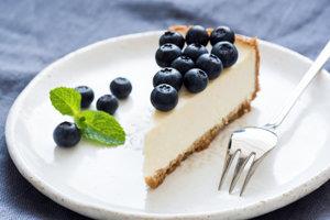 Čučoriedkový cheesecake.
