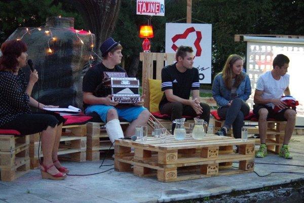 Mladé talenty na podujatí CoolTaineR.