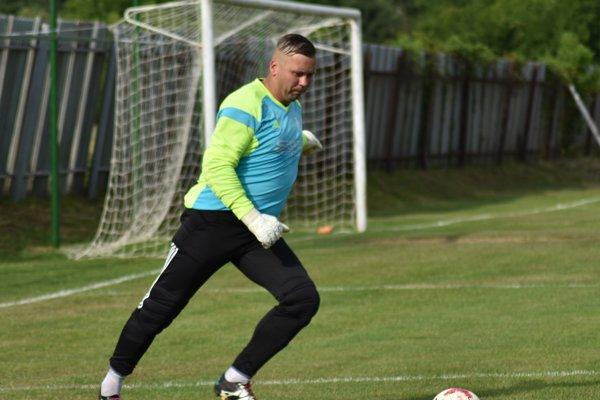 Medzi opory FK Svit vuplynulej treťoligovej sezóne patril aj brankár Richard Marušák.