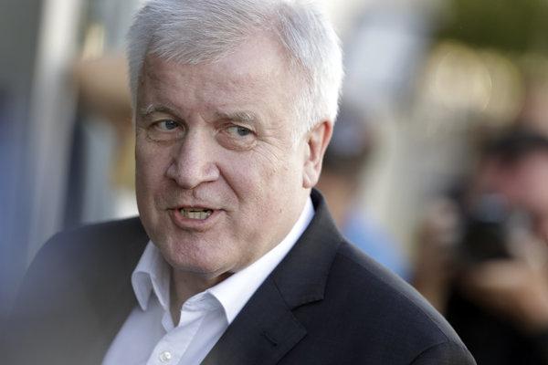 Nemecký minister vnútra Horst Seehofer je jedným z autorov právnej úpravy.