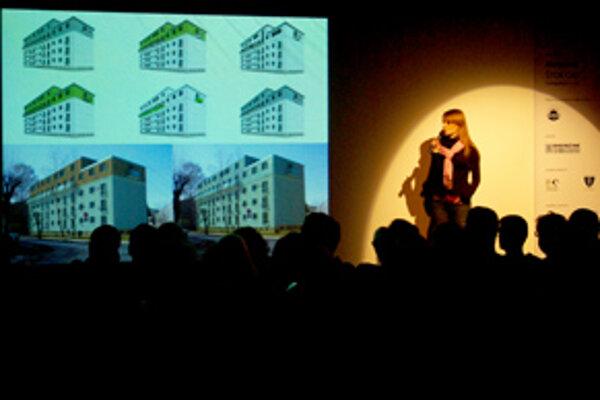 Jana Polerecká z ateliéru Once predstavuje už zrealizovaný návrh nadstavby bytovky na Hollého ulici v Žiline.
