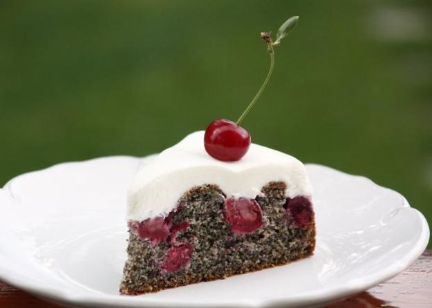 Makovo-višňová tortička