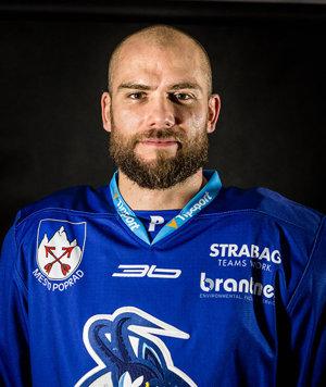 Syn Tomáš v drese popradského hokejového klubu.