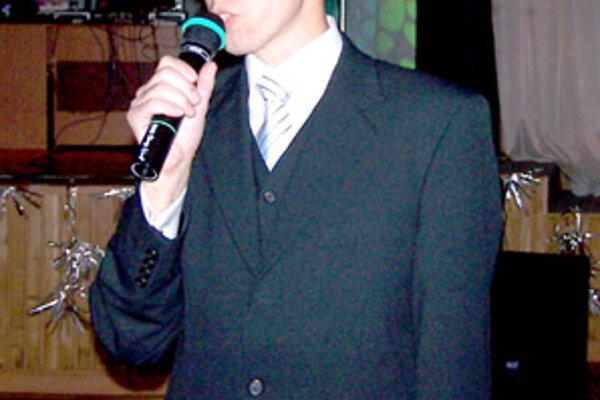 Prezident KPŠ Nereus Peter Fiabáne sa na plese prihovoril prítomným a ocenil dlhodobých partnerov a sponzorov klubu