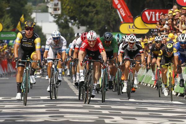 V závere 8. etapy na Tour de France 2018 sa udialo niekoľko kontroverzií.