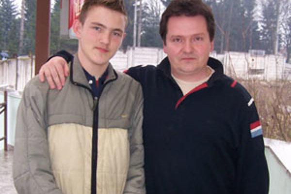 Róbert Valuch mladší hráva stolný tenis už približne desať rokov.