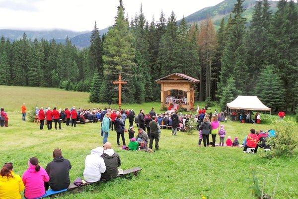 Zuberčania ďakovali pod štítmi Roháčov za dar prírody.