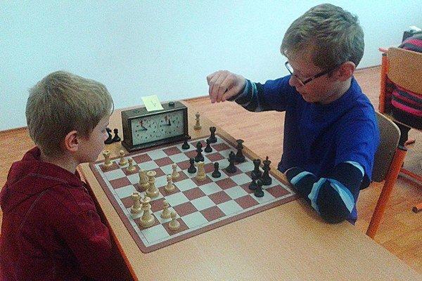 Tomáš a Andrej Brnušákovci sú obaja členmi Liptovskej šachovej školy.