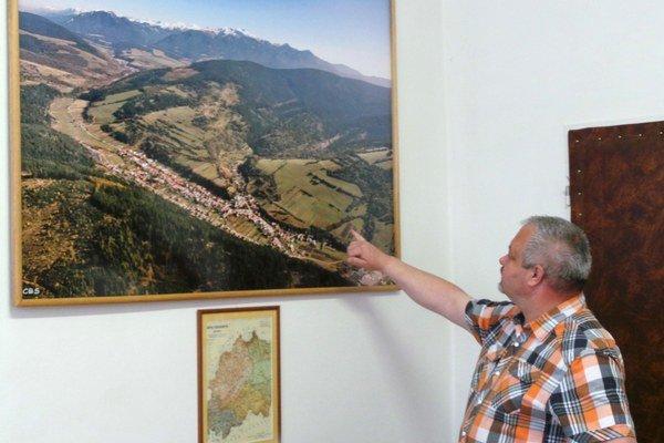 """""""Výstavba rodinných domov v Oravskom Bielom Potoku sa presunie z horného konca na dolný,"""" vysvetľuje starosta Ján Kaššák."""