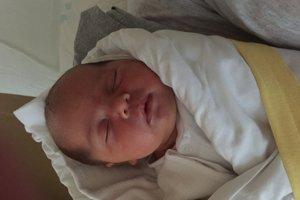 Rebeka Repová (3900 g, 51 cm) sa narodila 4. júla Barbore a Róbertovi z Veľkých Bieroviec.