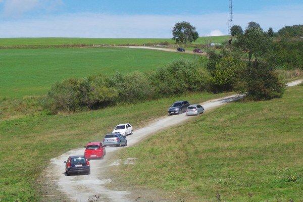 Hlavná frekventovaná cesta Oravou sa zablokovala sama, na deväť dní nám poslúžila aspoň takáto.