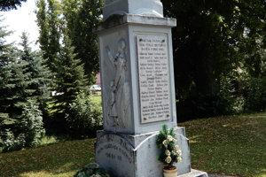 Pomník venovaný generálovi Milanovi Rastislavovi Štefánikovi a obetiam prvej svetovej vojny, situovaný v tesnej blízkosti Obecného úradu v Partizánskej Ľupči