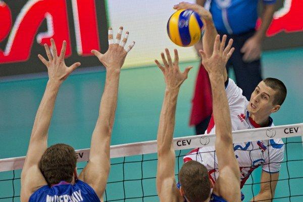 Matej Paták (na smeči) patrí medzi opory slovenskej reprezentácie.