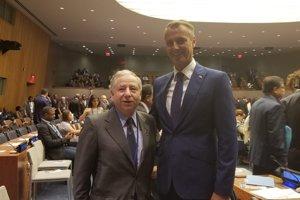 So Jeanom Todtom, šéfom Medzinárodnej automobilovej federácie (FIA), hovoril Raši v OSN o bezpečnosti automobilovej dopravy.
