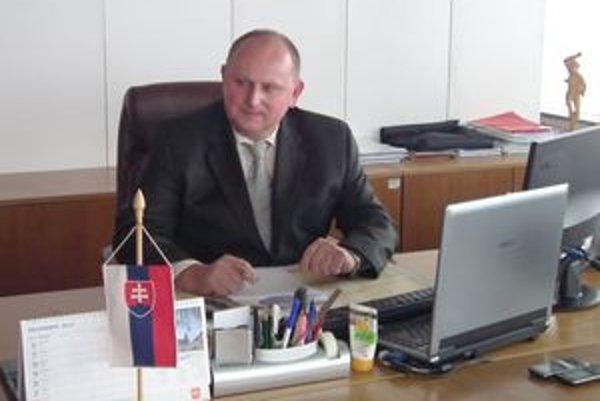Prednosta obvodného úradu Jozef Smatana.
