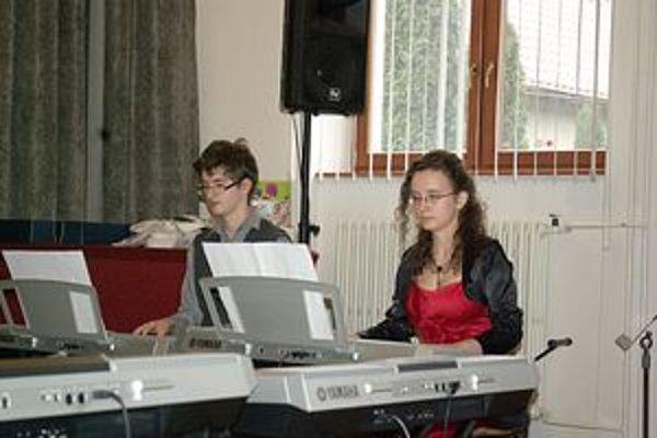 Lucia Kucejová a Stanislav Boboň zo ZUŠ Považská Bystrica boli absolútnymi víťazmi v komornej hre.