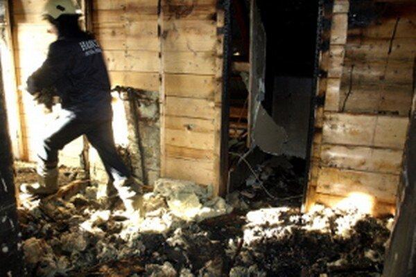 Požiar vypukol dnes ráno v málo využívanej kuchyni na najvyššom poschodí.