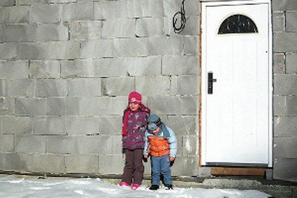 Zuzana verí, že Vianoce v roku 2015 prežije s deťmi v novom domove.
