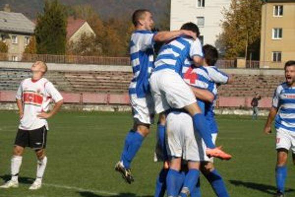 Takto sa ešte na jeseň tešili futbalisti FK Raven Pov. Bystrica.