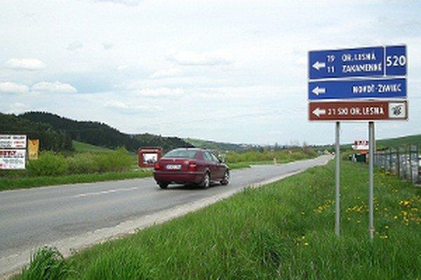 Autá odbočujúce na Oravskú Lesnú dostanú nový jazdný pruh.
