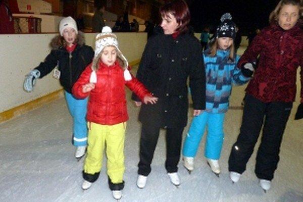 V sobotu a nedeľu sa na zimnom štadióne v Dolnom Kubíne môžete korčuľovať zadarmo.
