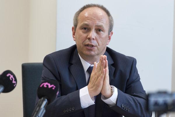 Splnomocnenec vlády pre národnostné menšiny László Bukovszky.
