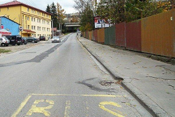 Súčasťou plánovaných zmien je aj presunutie autobusovej zastávky a vybudovanie zálivu.